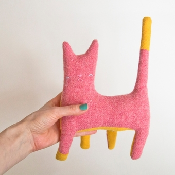 Kitty no.216 bright pink wool with bright yellow tail and tummy