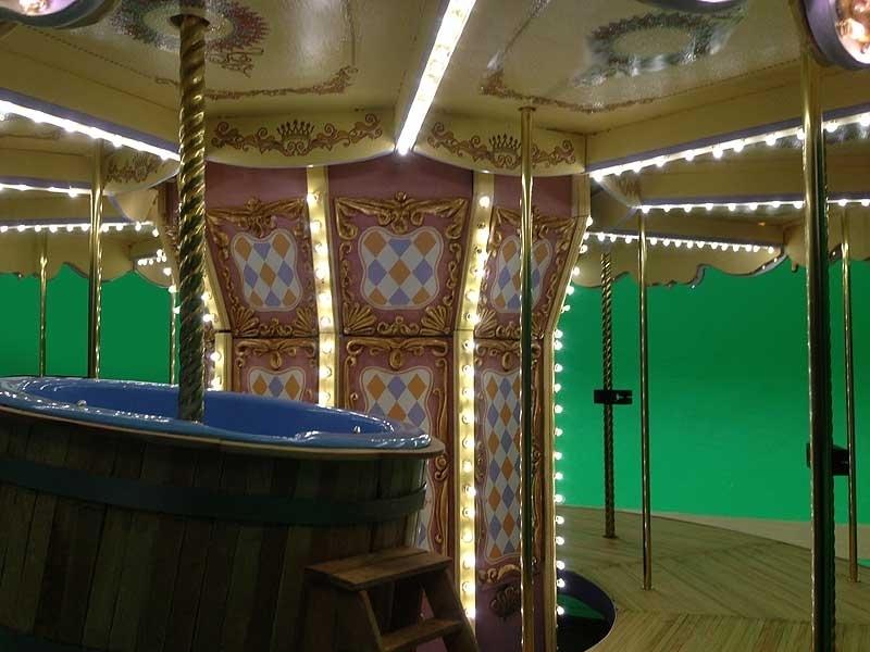 Carousel c2.jpg